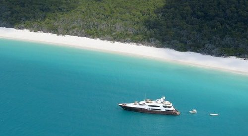 Superyacht, MV Glaze, anchored at Whitehaven Beach