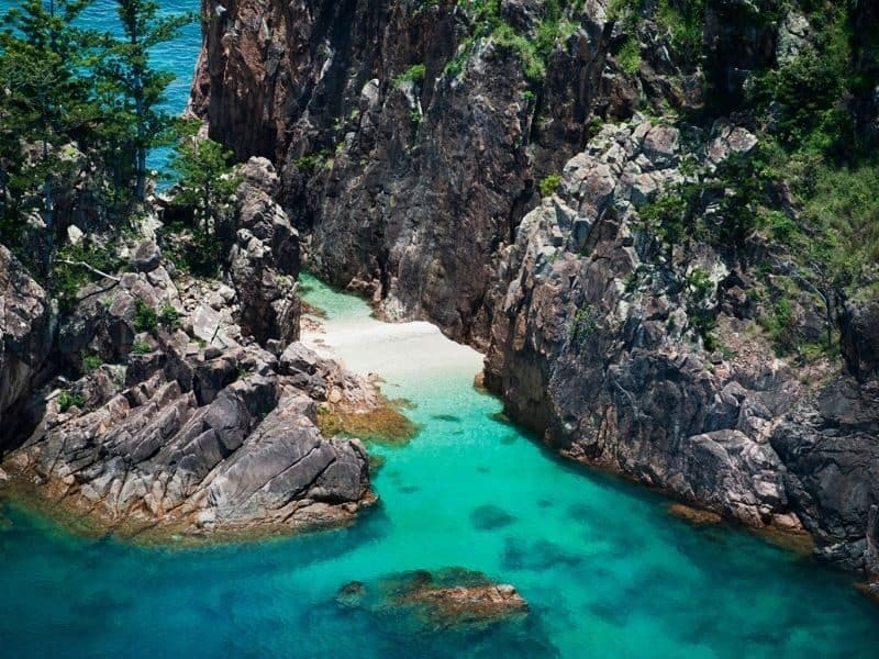 Hidden beach at Blue Pearl Bay on Hayman Island in the Whitsundays